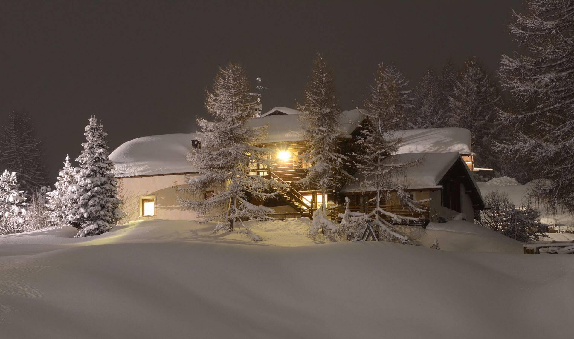 Vacanze invernali a livigno hotel le alpi for Piccoli piani di baite
